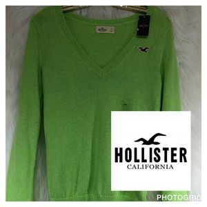 Hollister NWT Small v-neck bright green sweater